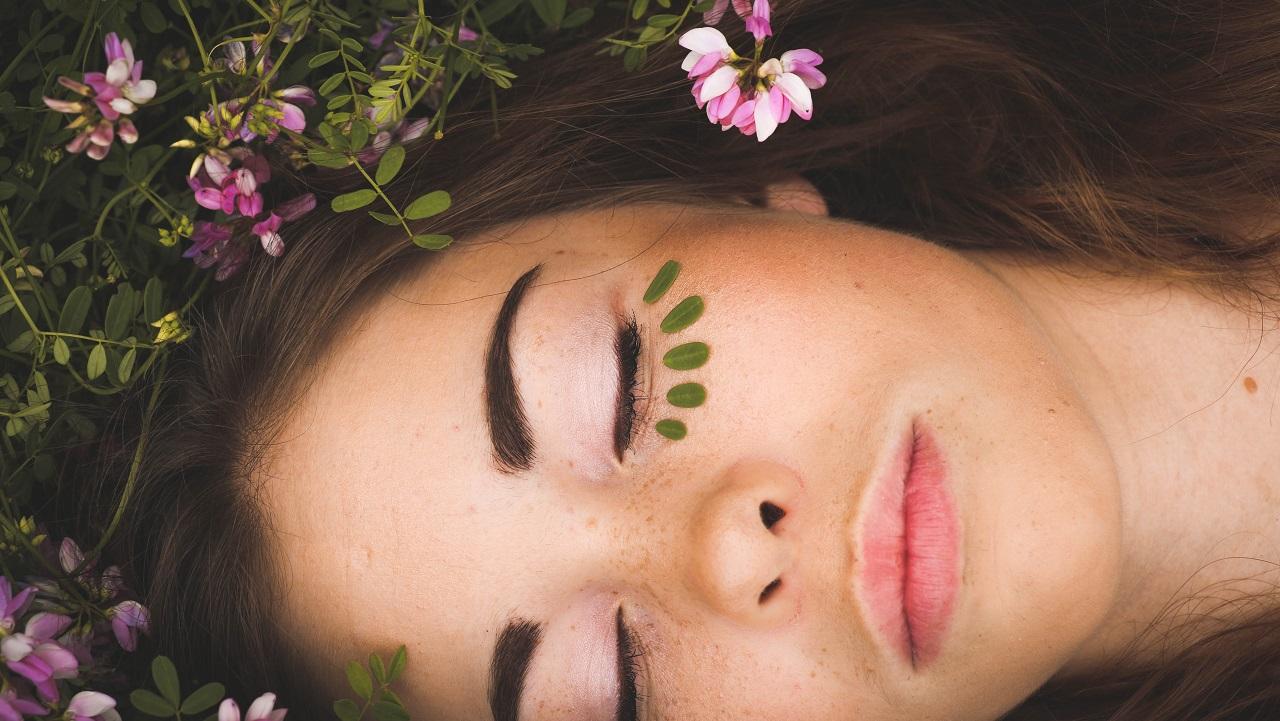 Cannabis light: la migliore amica della tua bellezza
